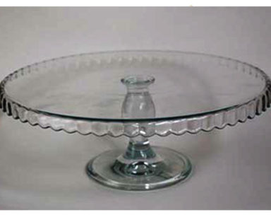 KZN012 &#8211; Glass cake stand<br/>(R25 each to hire)