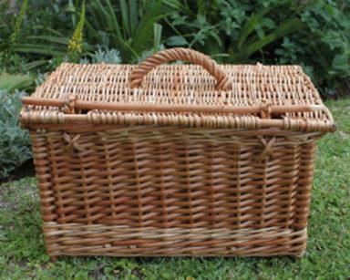 KZN031 &#8211; Picnic basket<br/>(R90 each to hire)