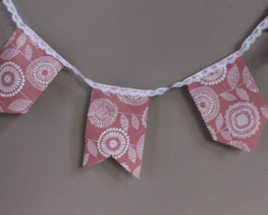 KZN036 &#8211; Pink floral bunting <br/>(R25 to hire)