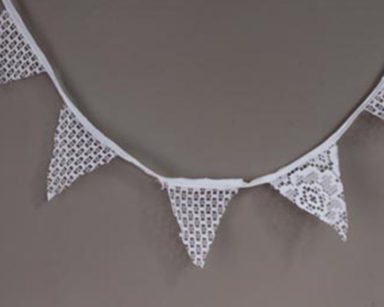 KZN017 &#8211; White Lace Bunting<br/>(R25 to hire)