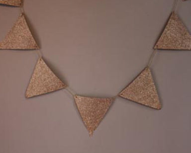 KZN018 &#8211; Gold Glitter Bunting<br/>(R25 to hire)
