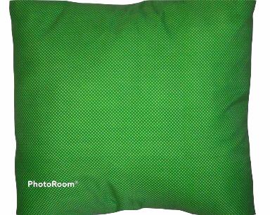 GP016 – GREEN AND WHITE POLKA DOT CUSHION (R35 each to hire)