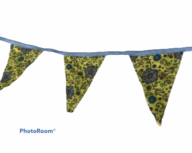 KZN046 – BLUE AND YELLOW FLORAL BUNTING (R40 to hire)