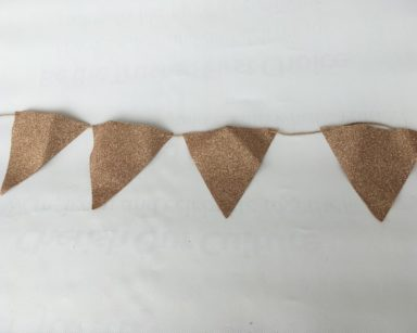 KZN045 – GOLD GLITTER BUNTING (R35 to hire)