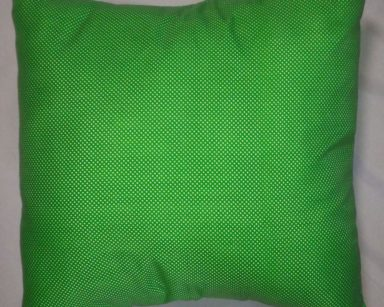 GP017 – GREEN AND WHITE POLKA DOT CUSHION (R25 each to hire)