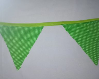 GP019 – GREEN AND WHITE POLKA DOT BUNTING (R40 to hire)