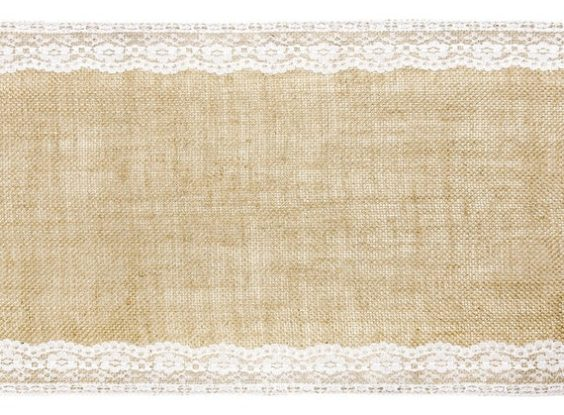 GP039 – HESSIAN RUNNER WITH LACE TRIM (R30 each to hire)