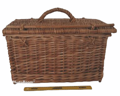 KZN065 – SELECTION OF PICNIC BASKETS (R100 to hire)