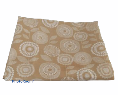 KZN070 – BEIGE TABLECLOTH (R35 to hire)