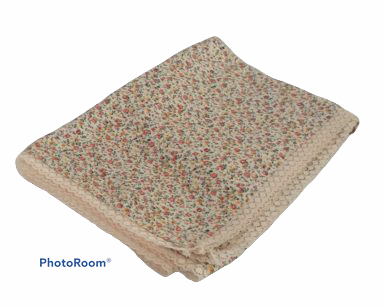 KZN069 – FLORAL TABLECLOTH (R35 to hire)