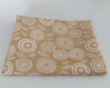 KZN078 – BEIGE TABLECLOTH (R30 to hire)