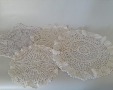 GP032 – DOILIES (R80 for all to hire)
