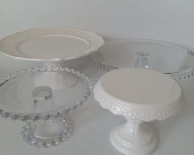 KZN083-GLASS CAKE STANDS (R30 each to hire)